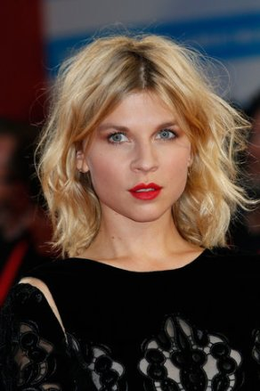 23-french-girl-hair-clemence-poesy1