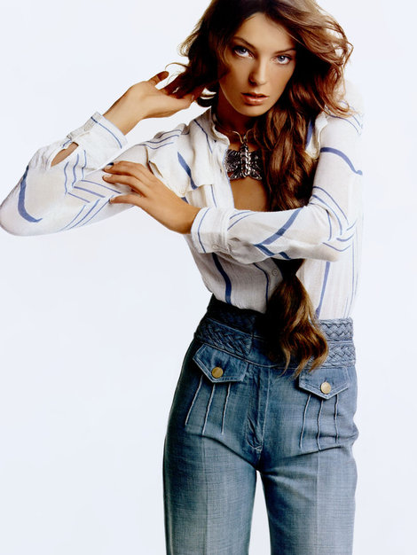 daria-werbowy-and-chloe-spring-2004-high-waisted-flare-jeans