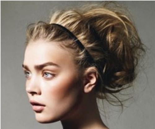 Messy-Bun-hairstyle2