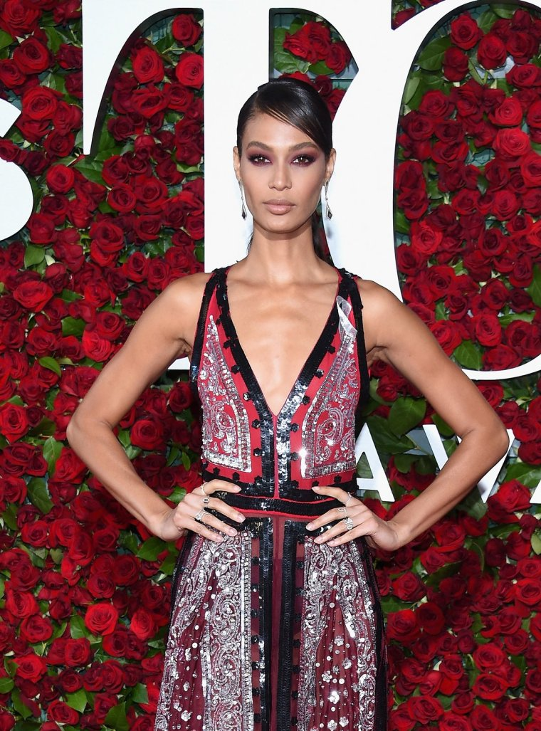 1-joan-smalls-best-beauty-tony-awards1